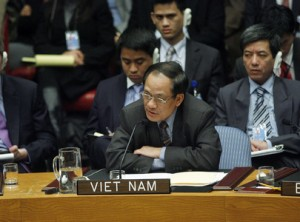 Le Luong Minh, former Permanent Representative of Viet Nam, addressing the Security Council in 2008. UN Photo/Eskinder Debebe